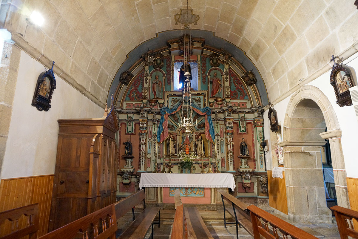 Iglesia de San Simón de Cacheiras - Perteneciente a la Unidade Pastoral de Milladoiro, Teo e contorna