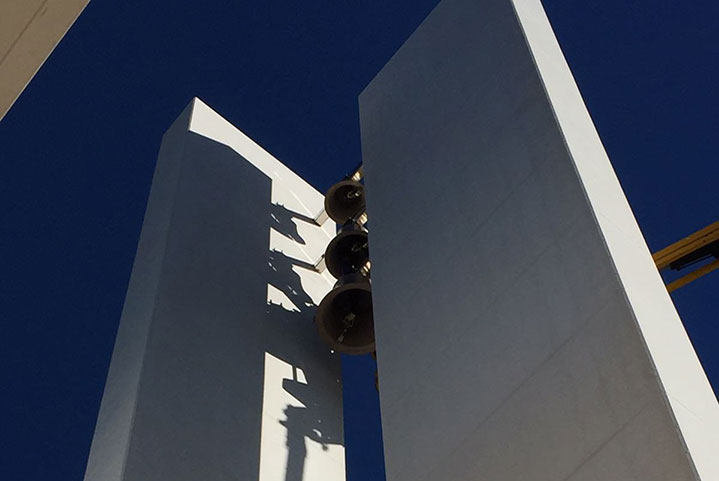 Se han instalado las campanas en la nueva iglesia de San José