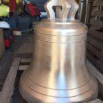 Colocación de las campanas en la nueva iglesia de San José de Milladoiro