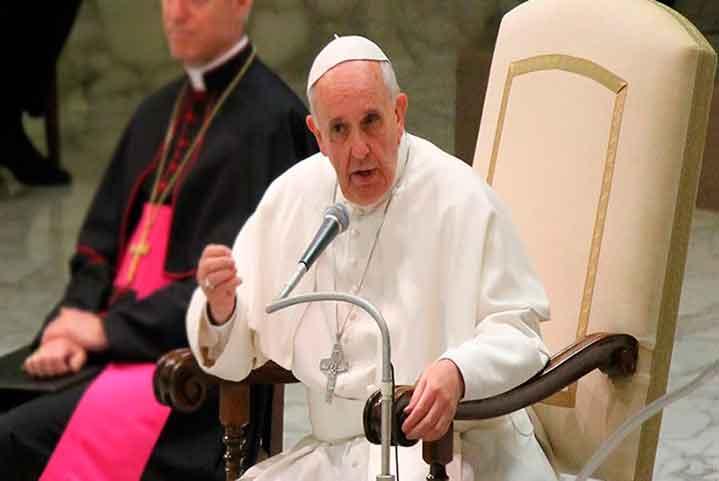 """El Papa pide """"derribar todas las barreras"""" hacia la inclusión de personas sordas"""