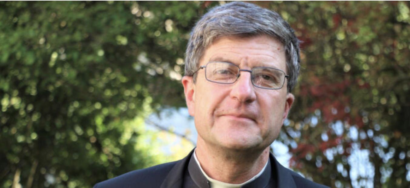 """El presidente de los obispos de Francia: """"Sigo sin entender por qué las mujeres no pueden votar en los sínodos"""""""